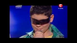 Cậu Bé Khiếm Thị Chơi DJ
