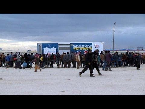 Συρία: Νέοι καταυλισμοί προσφύγων στην μεθόριο με την Τουρκία
