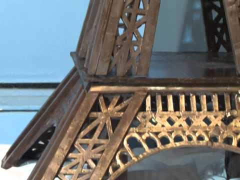 В Самаре появилась Эйфелева башня из темного шоколада