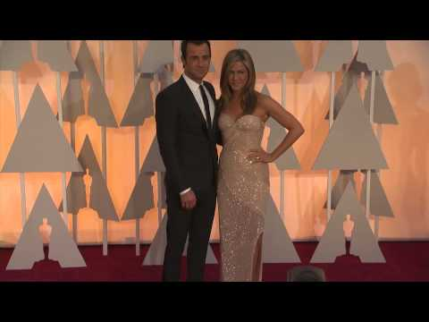 Oscars: Jennifer Aniston Red Carpet (2015)