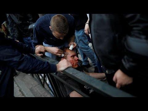 Athen: Junge Griechen attackieren wegen Militärschlag in Syrien Truman-Statue