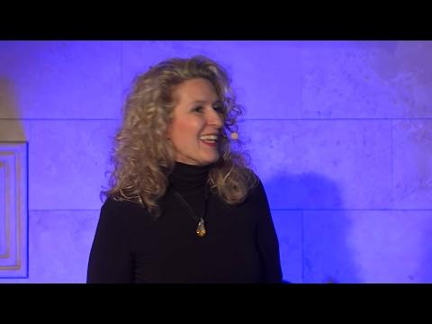 Egy csapat - egy szív | Kata Puskás | TEDxDanubia