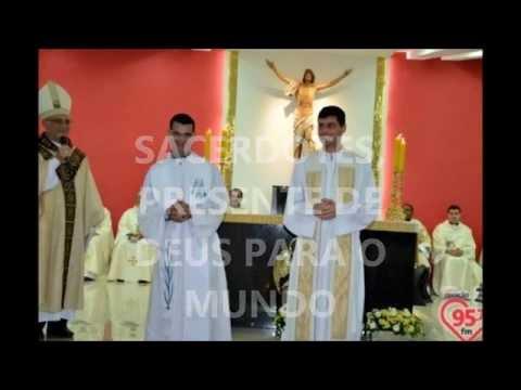 Homenagem da Paróquia Sagrado Coração de Jesus aos Padres Toninho e Alexandre