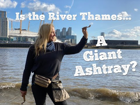 Why do I find so many CLAY PIPES on the Thames Foreshore? MUDLARKING with Nicola White