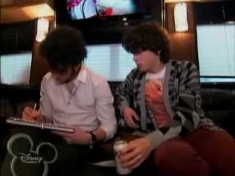 Jonas Brothers: Living The Dream - Best Of