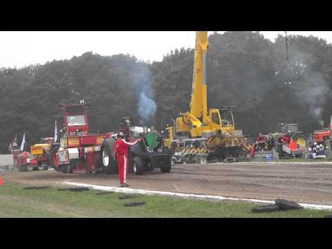 Finale run Tractorpulling Alphen