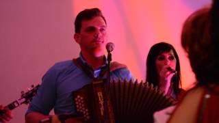 Download Lagu Ansambel PIKA SI - Vesela polka vince in pesem (F.Mihelič) Mp3
