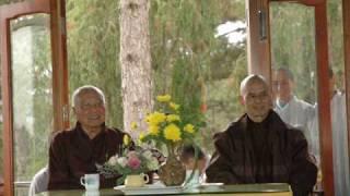 Thiền sư Thích Nhất Hạnh mới đây nhắc lại lời kêu gọi yêu cầu nhà nước Việt Nam phải tách rời tôn giáo khỏi chính trị và chính quyền ngưng kiểm soát các hoạt...