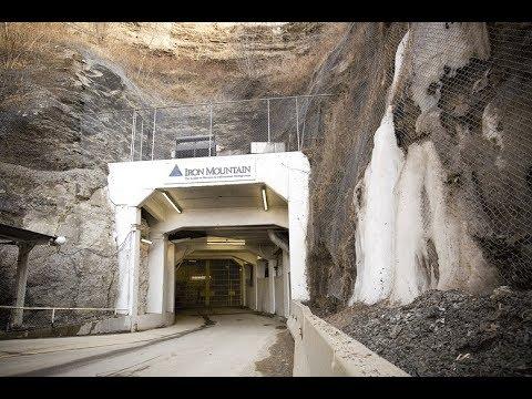 Doomsday Map Has Billionaires Scrambling For Bunkers (видео)