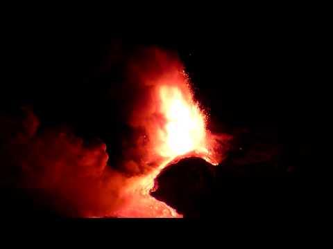 Etna in eruzione 12/01/2011
