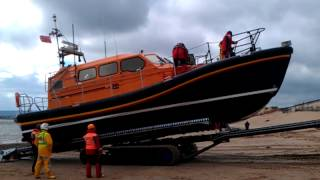 Shannon Lifeboat trials recovery at Exmouth