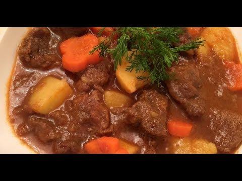Comida vietnamita: carne com molho Vang
