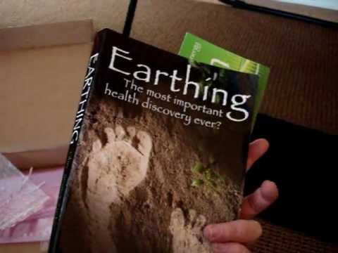 0 Earthing Pad and Earthing Book Review by Floppycats