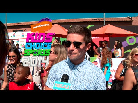 red carpet - Hit the red carpet of the first ever Nickelodeon Kids Choice Sports awards. Your favorite athletes and celebrities all in one place like Metta World Peace, Ryan Newman, Amber Montana, Ben Winchell,...