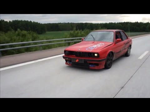 bmw e30 drifting on the highway