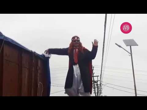 "Video - Ινδός ""Χουντίνι"" βούτηξε αλυσοδεμένος στον Γάγγη και δεν ξαναβγήκε ποτέ"