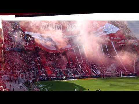 Salida de Independiente ante racing (Clausura 2010) - La Barra del Rojo - Independiente