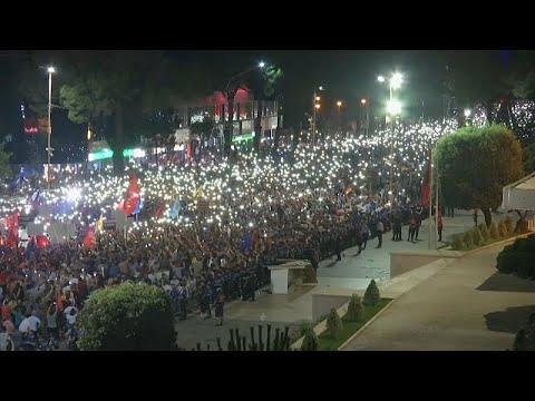 Συνεχίζονται οι διαδηλώσεις στην Αλβανία