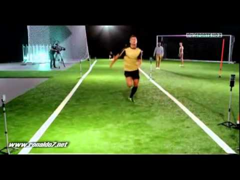 Video Cristiano Ronaldo races against sprinter!- Tested to the limit download in MP3, 3GP, MP4, WEBM, AVI, FLV January 2017