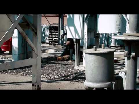 Crank: High Voltage [fight at the power station]