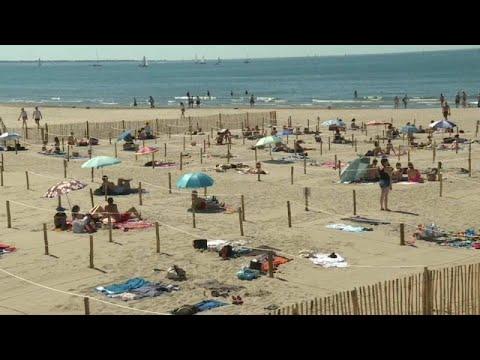 COVID-19: Η μεγάλη έξοδος των Γάλλων στις παραλίες