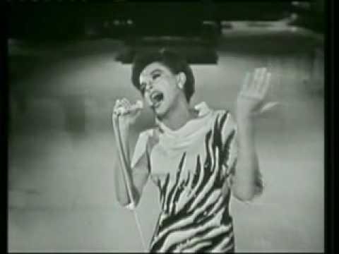 Tekst piosenki Judy Garland - You'll Never Walk Alone po polsku