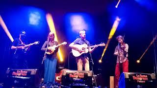 Video Bluegrass v La Roche sur Foron, s hostem Edou Krištůfkem