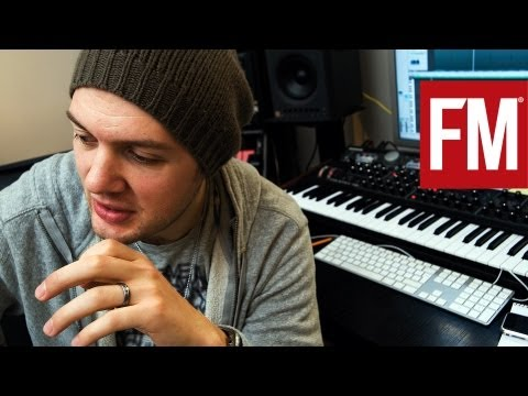 STUDIO - Using FXpansions new synth, Strobe, Chris shows how adding noise to your bassline can give the sounds much more grit. Then, by adding effects and edits to in...