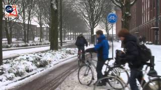 s-Hertogenbosch Netherlands  City pictures : Cycling in the snow in 's-Hertogenbosch (Netherlands)