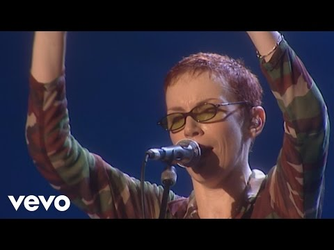 Eurythmics - There Must Be an Angel Playing with My Heart Peacetour Live