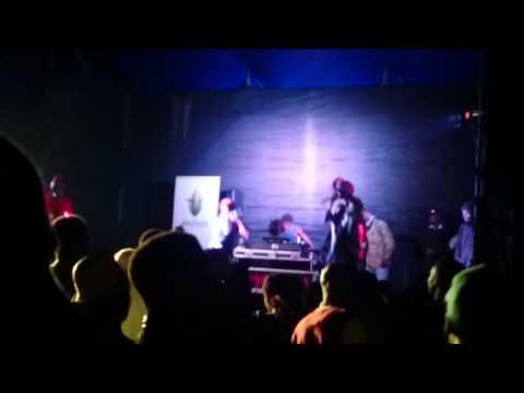 Hurricanez One Special Ntombazane (Live)
