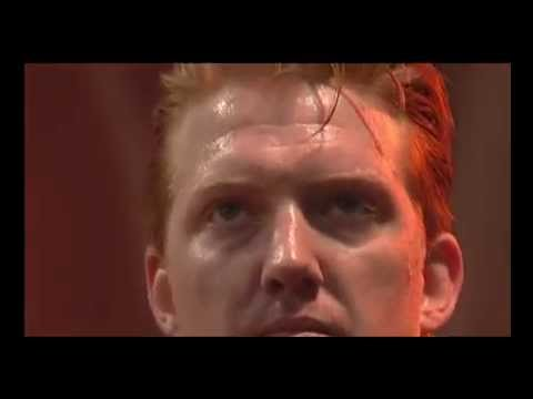 Queens Of The Stone Age - No One Knows (Live at Reading 05)