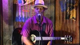 <b>Eric Bibb</b>  Live At The BasementDVD