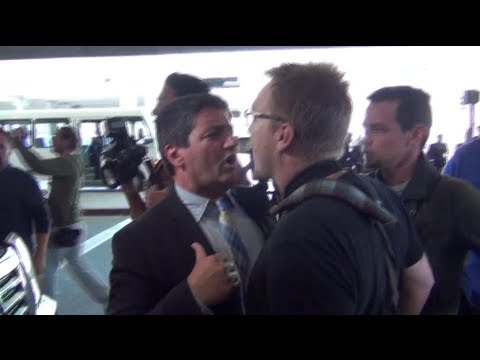paparazzi - Track celebs here http://618d7d2c.any.gs Kim Kardashian causes a fight with her driver and paparazzi at LAX https://wowcelebritytv.com https://twitter.com/wo...