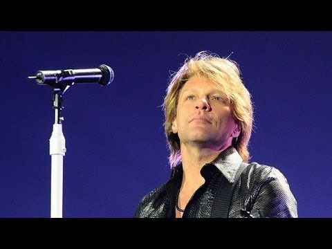 bon - BON JOVI - LIVIN' ON A PRAYER - LIVE 12.12.12: The Concert for Sandy Relief Live from Madison Square Garden - New York.