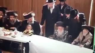 "Download Lagu Satmar Rebbe Beirach Moshe With Bobov Rebbe R Shloimele Zt""l Mp3"