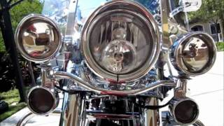 6. 2005 Harley Davidson Custom Road King Classic Detail