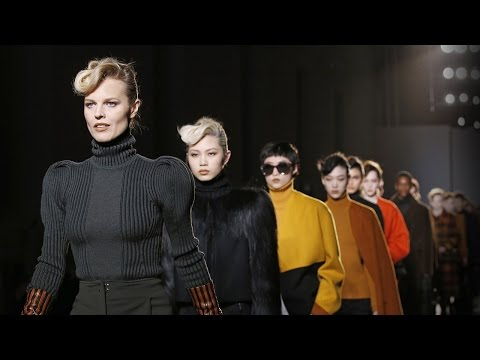 Bottega Veneta: Women's and Men's Fall/Winter 2017 Show