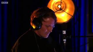 Ben Howard - She Treats Me Well (live from BBC)