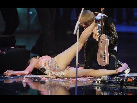Звезда упала на сцене / казусы на сцене / драки в студии (видео)