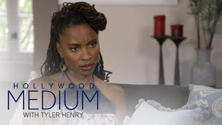 Video Shanola Hampton Connects With Her Late Mother | Hollywood Medium with Tyler Henry | E! MP3, 3GP, MP4, WEBM, AVI, FLV Maret 2018