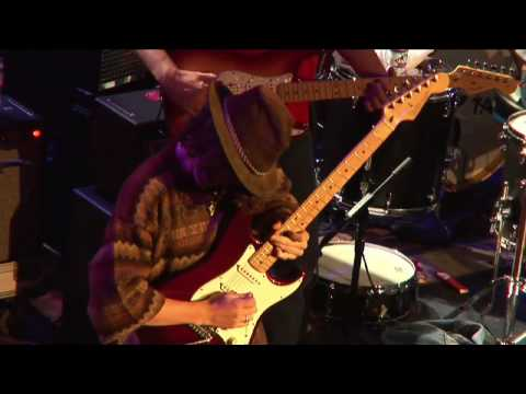 Video Adrian Di Matteo's performance at Guitar Center's King of the Blues 2006 download in MP3, 3GP, MP4, WEBM, AVI, FLV January 2017