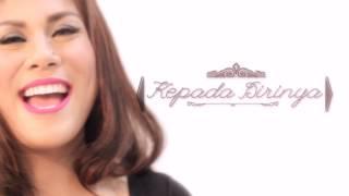 Regina - Aku Jatuh Cinta ( Official Lyric Video )