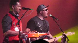 Robert Randolph & the Family Band opened with a pedal steel cover of Black Sabbath's