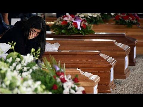 Ιταλία: Θρήνος στο Αματρίτσε – Συνεχίζονται οι κηδείες των θυμάτων