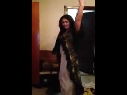 Pashto Most Famous Singer Ghazala Javed Home Dance