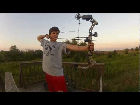 Diamond Razor Edge Compound Bow Shooting