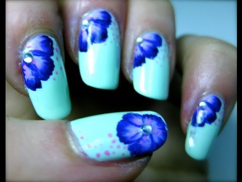 nail art flower violet
