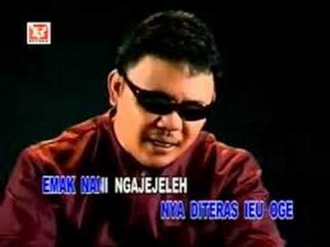 Download Lagu Doel Sumbang   Berenyit Music Video