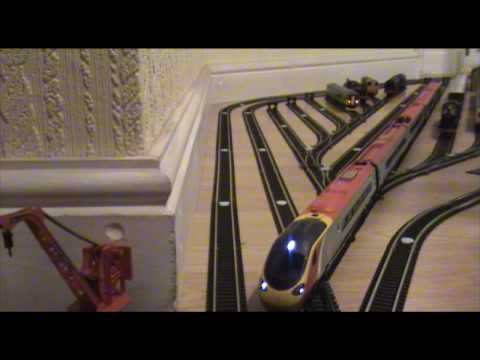 Hornby class 390 Virgin Pendolino pulls out of her siding...